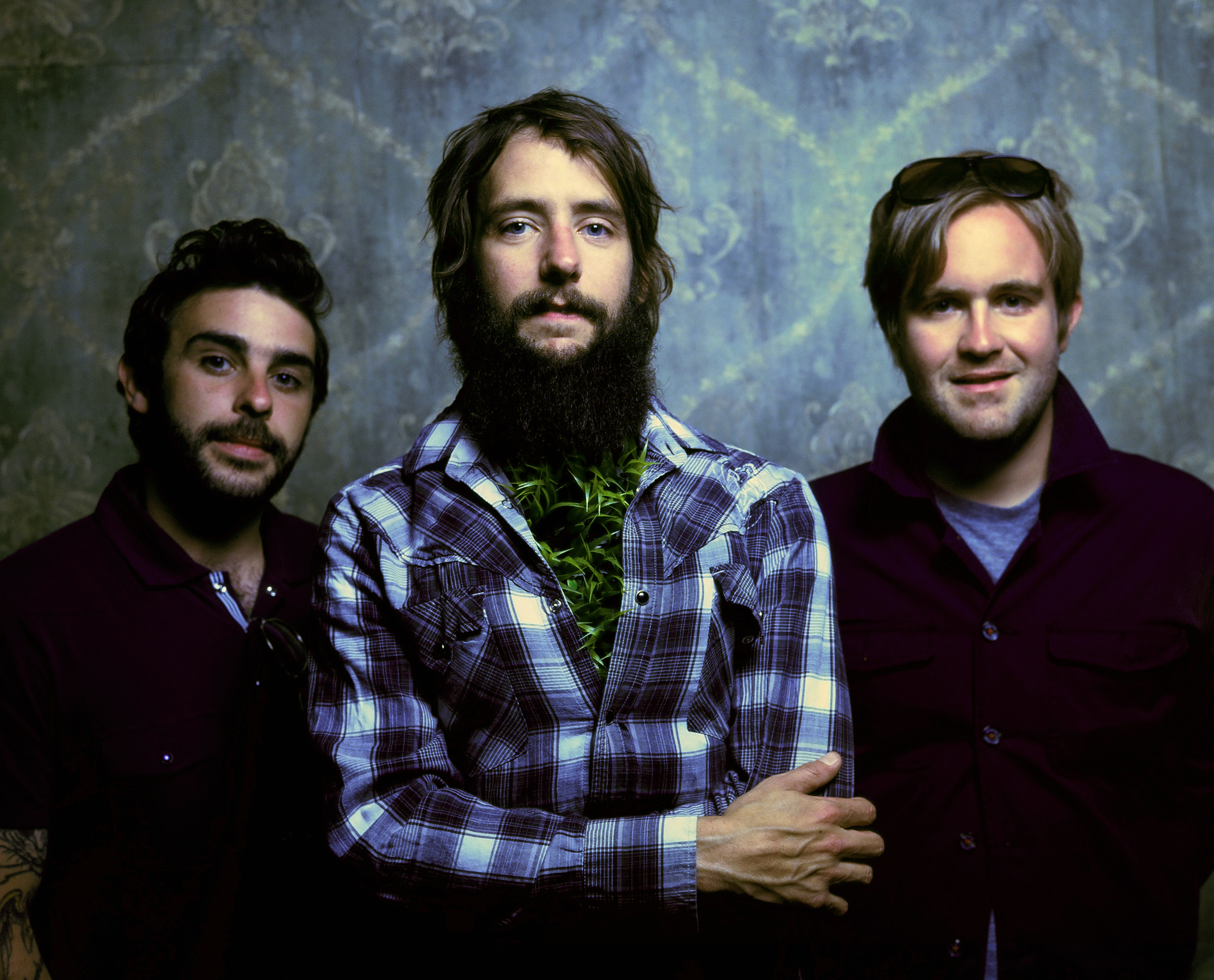http://indiemuse.com/wp-content/uploads/2007/11/bandofhorses.jpg